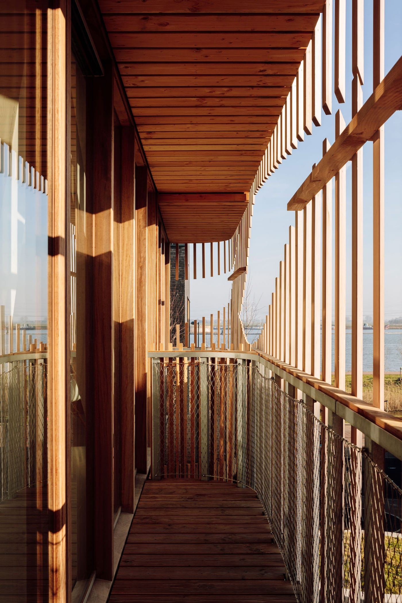 Timber balcony with timber screen