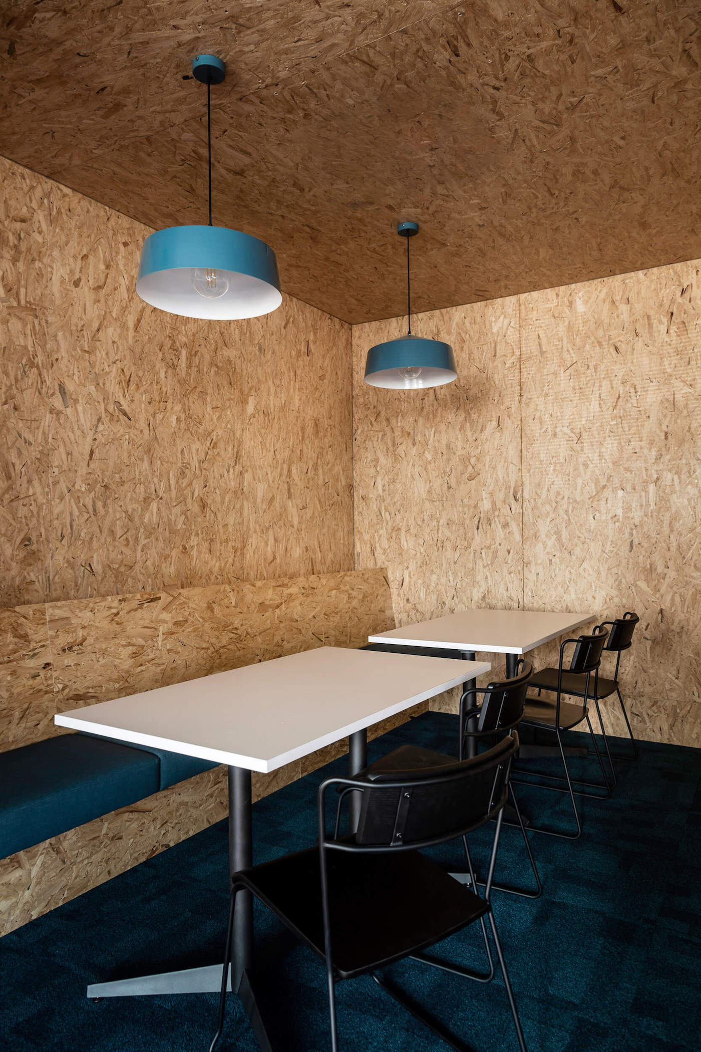 OSB lined breakout space