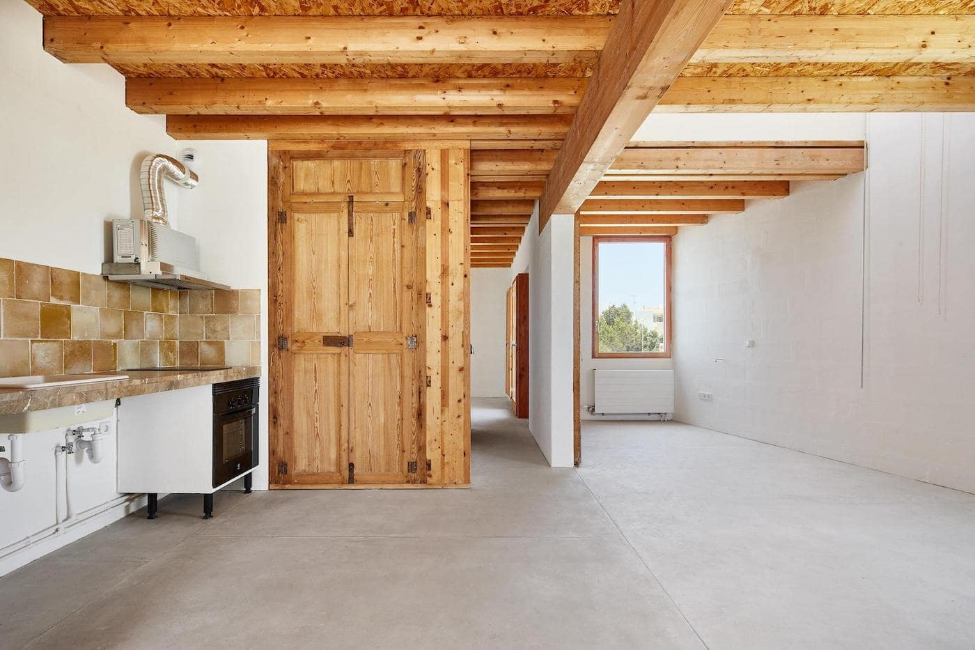Timber beams and timber lined ceiling
