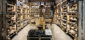 Shipping pallets store design