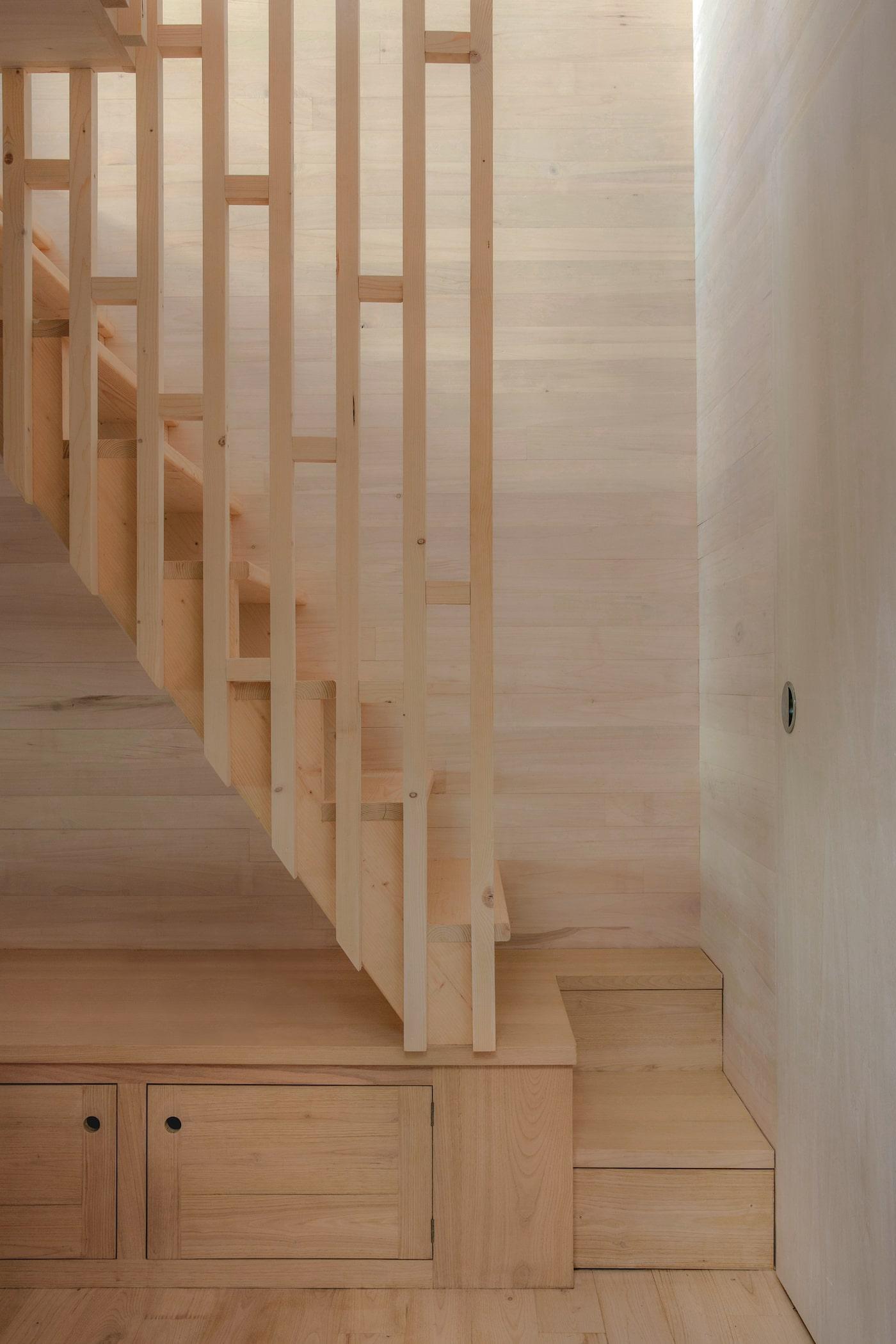 Timber baluster stair detail