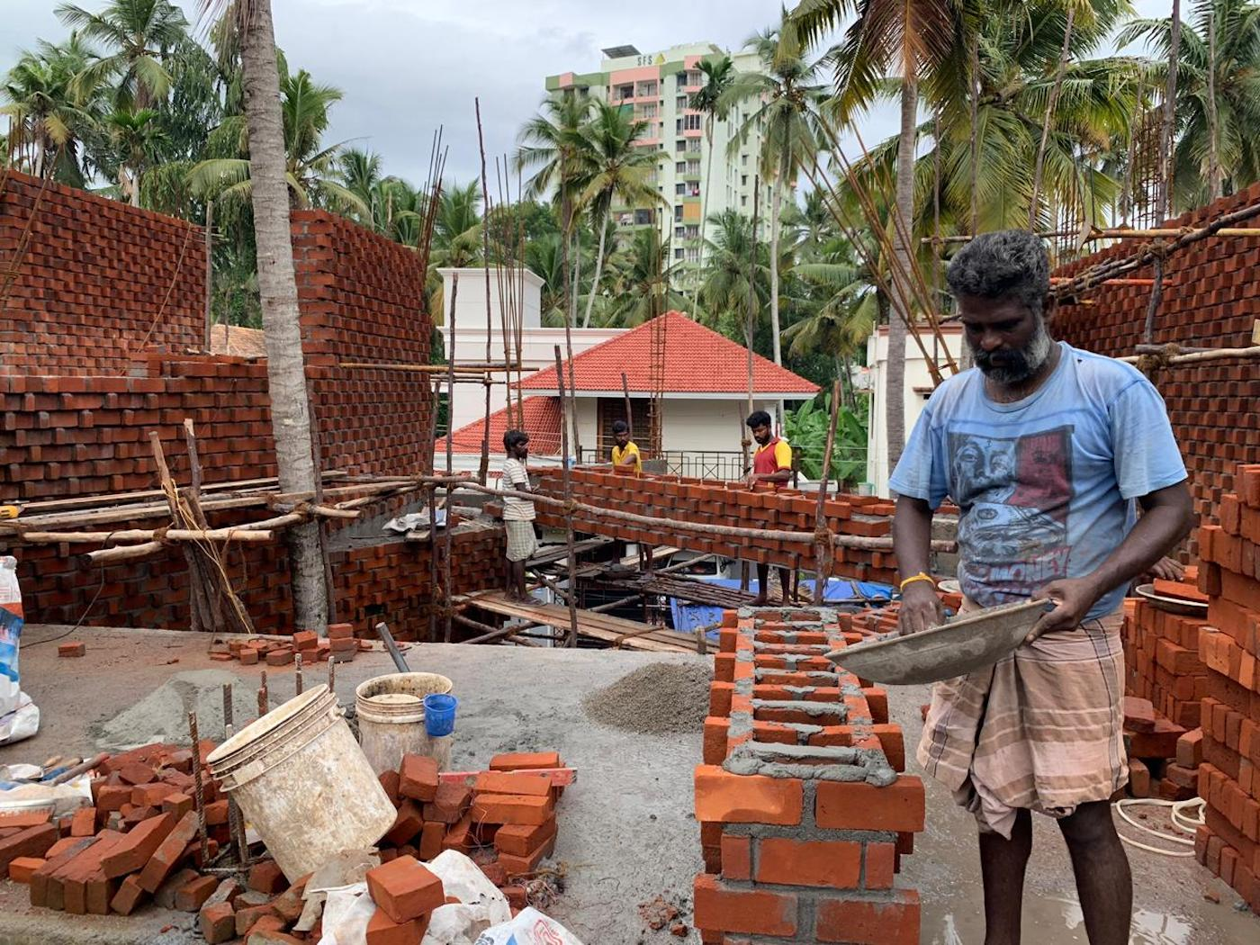 Wallmakers Pirouette House rat brick bond construction