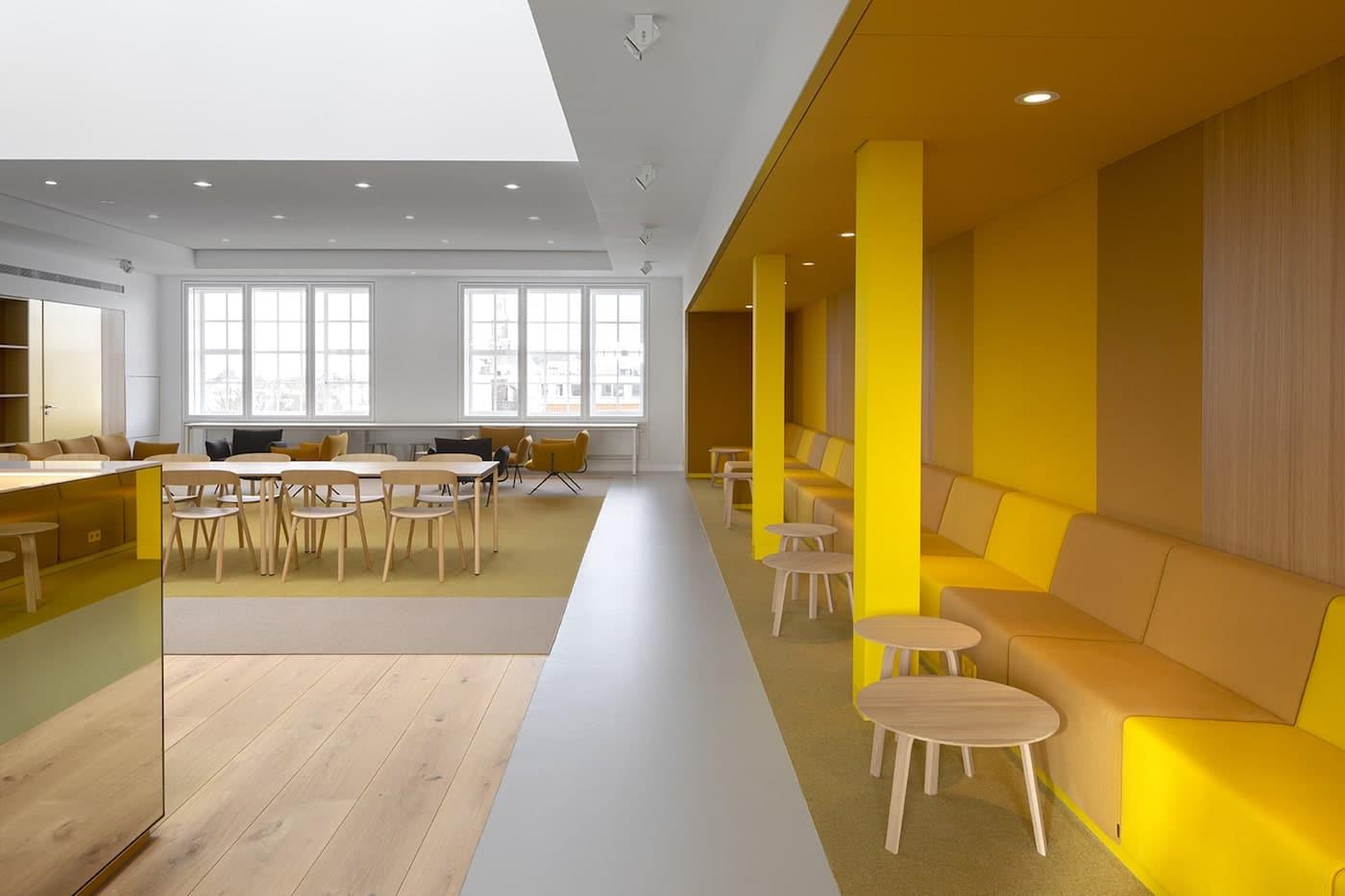 Felix Meritis yellow wall panelling