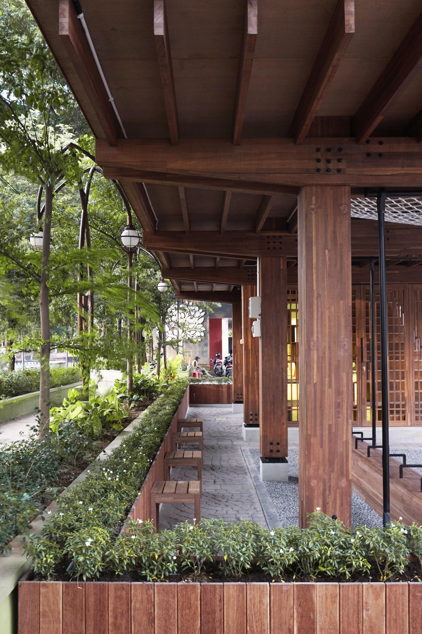 Garden underneath timber library