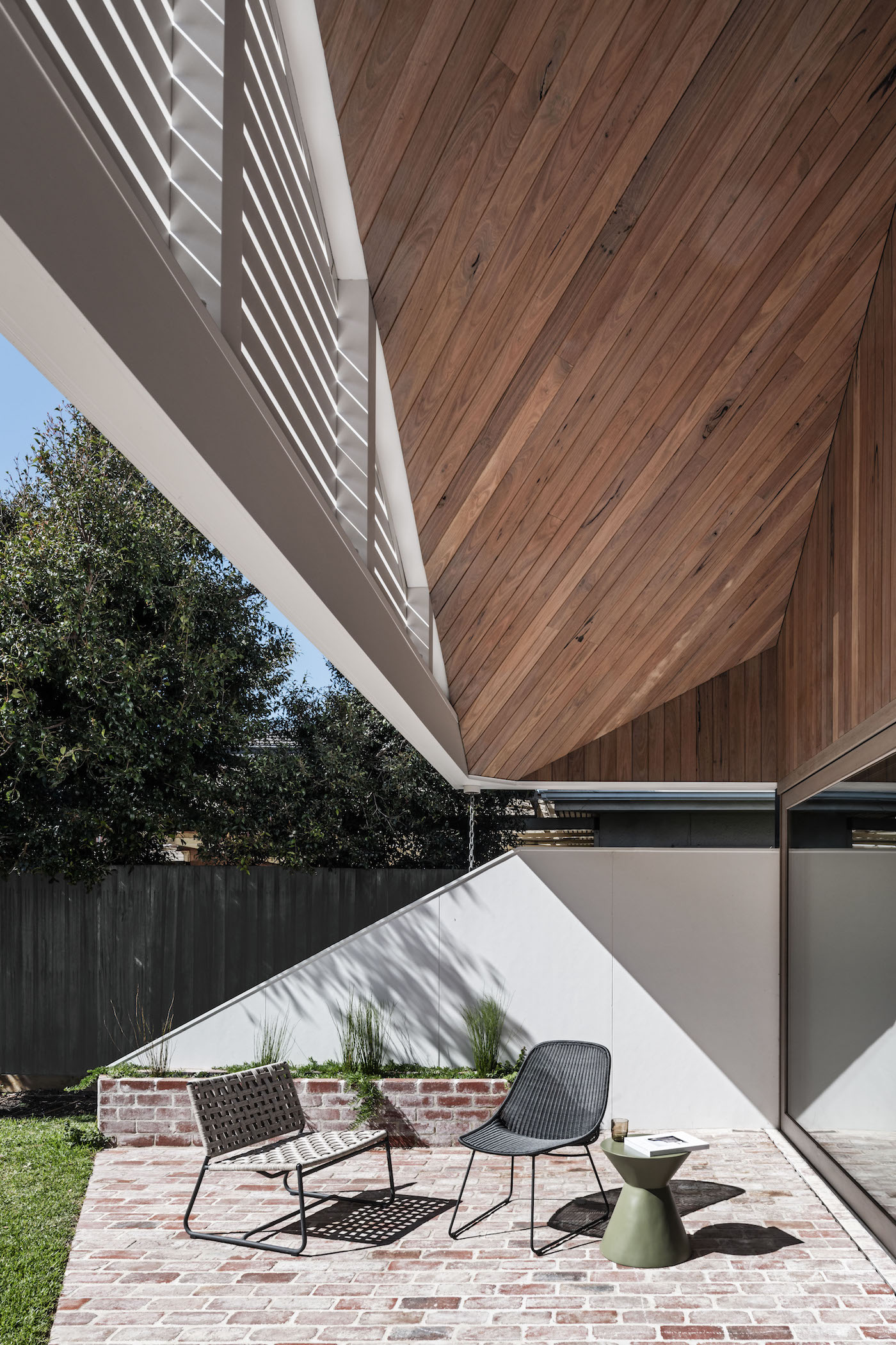 Outdoor entertaining area with timber lined ceiling