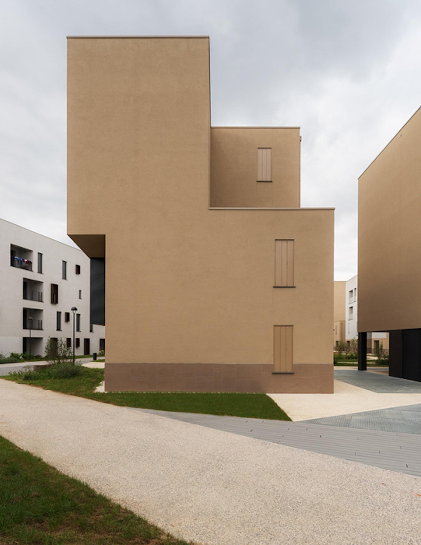 Figino apartments with timber facade