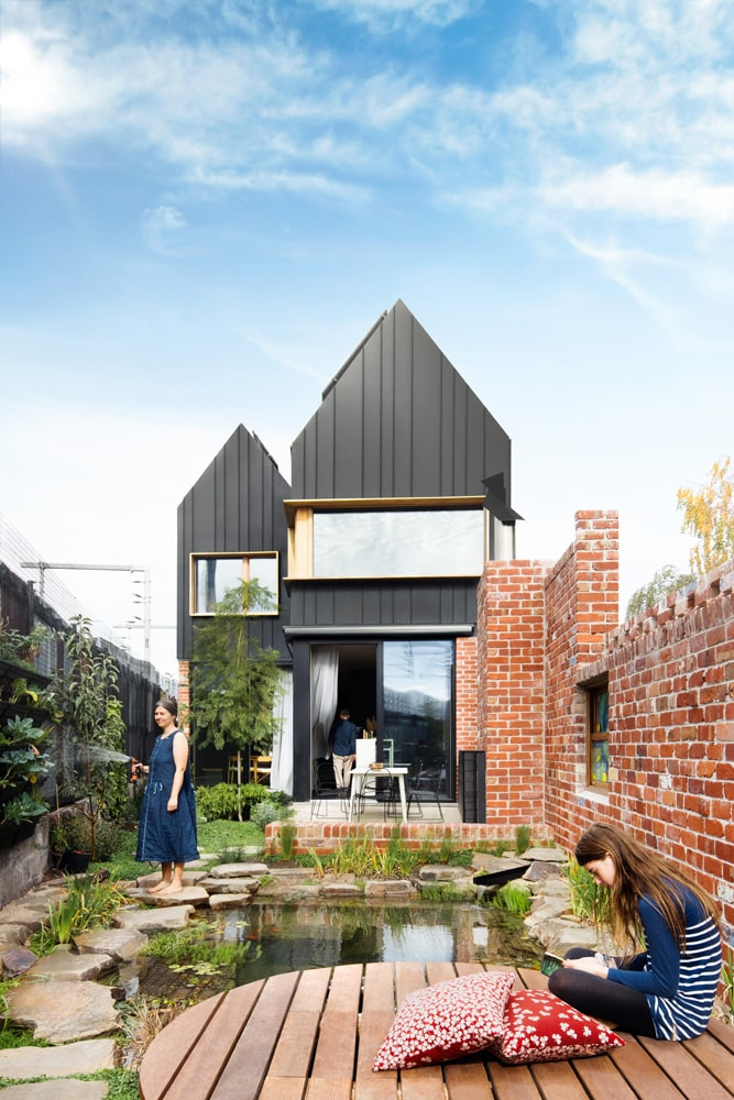 Black clad sustainable house